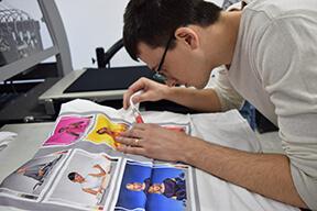Kwaliteitscontrole voor gepersonaliseerde t-shirt