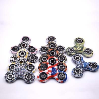 Jucarie antistres Camo Tri Fidget Spinner cu design camuflaj