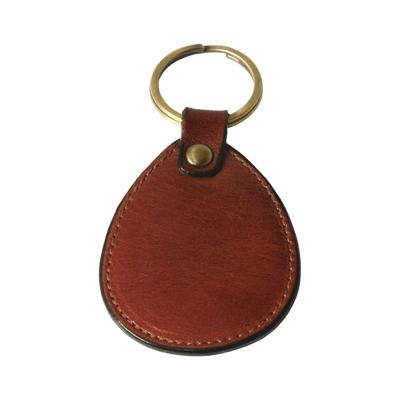 Breloc oval din piele pentru chei 589045