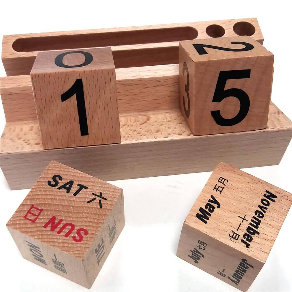 Calendar din lemn pentru birou cu stand telefon